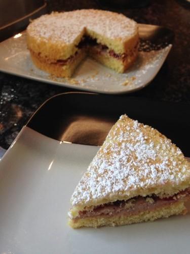 Cake, sliced